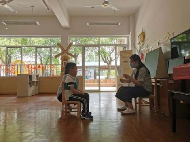Trung Quốc: Trường mầm non mở cửa sau Covid-19, chỉ có 1 học sinh tới lớp - 2