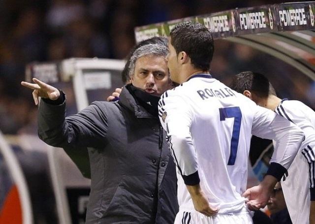 Bị mắng té tát, C.Ronaldo suýt khóc và định tẩn HLV Mourinho - 2