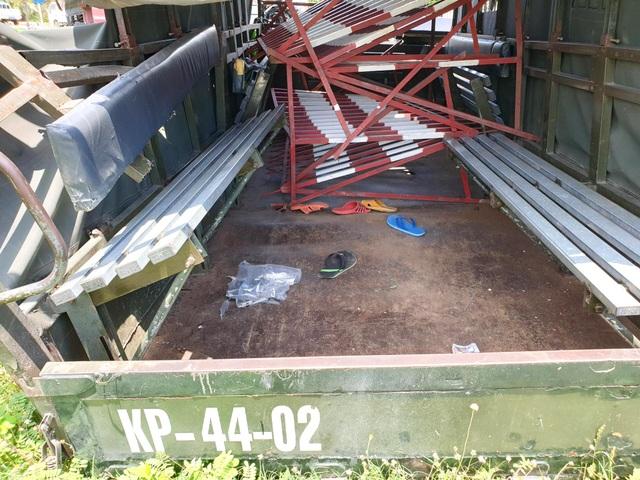 Xe container tông văng thùng xe biển đỏ, 1 người chết, 6 người bị thương - 3