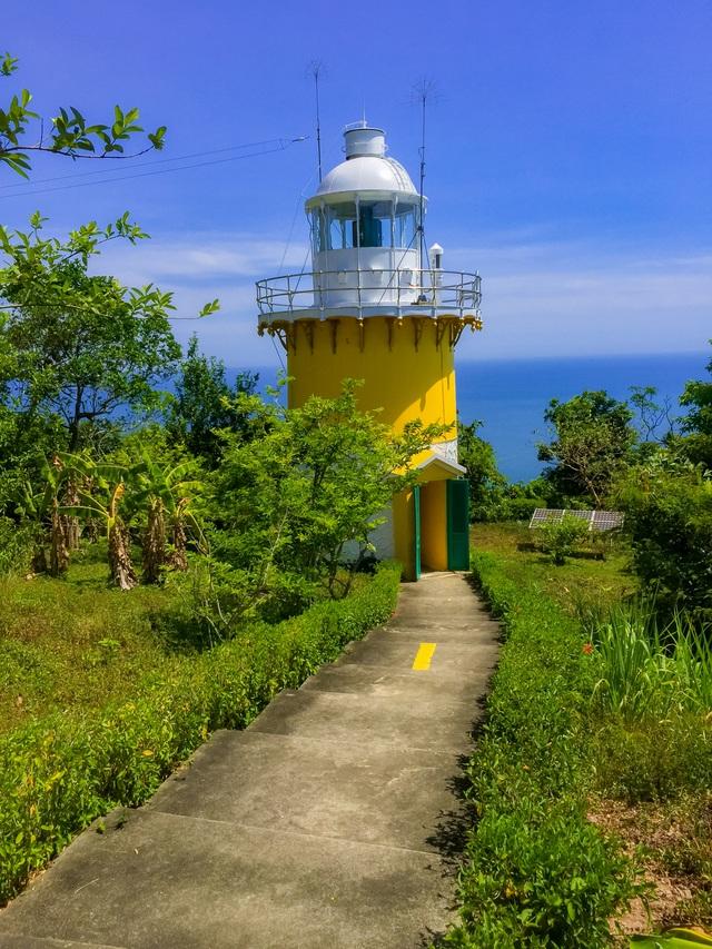 Ngọn hải đăng cổ trên bán đảo Sơn Trà - 1