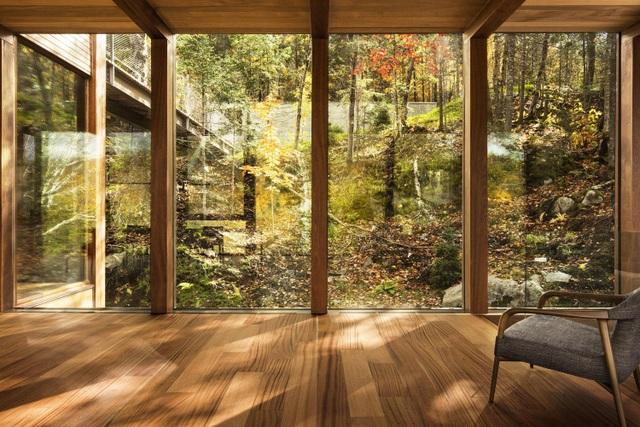 """Biệt thự """"treo"""" mình giữa vách đá, nằm gọn trong rừng phong đẹp như tranh - 4"""