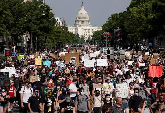 Thủ đô Washington đối phó biểu tình quy mô cực lớn - 1