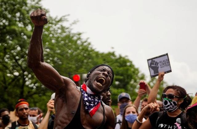 Hàng trăm nghìn người biểu tình khắp nước Mỹ - 2