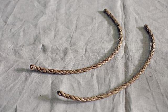 """Cách mà chỉ """"một sợi dây thừng"""" đã giúp các bà vợ đánh bại tiểu tam - 3"""