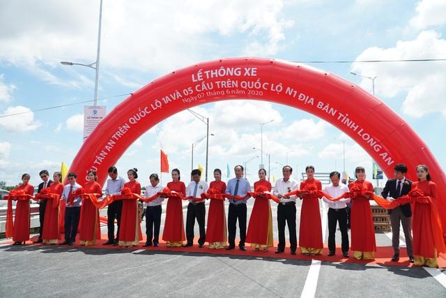 Thông xe cầu Tân An trên Quốc lộ 1 - 1