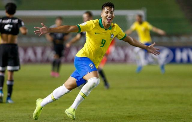 """10 cầu thủ được ví như """"C.Ronaldo mới"""" tài năng ra sao? - 7"""
