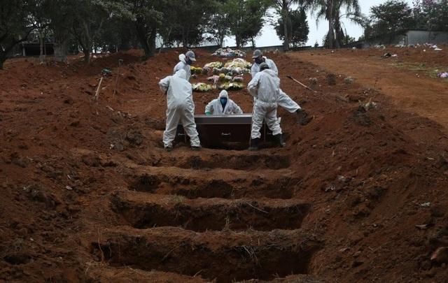 Thế giới có hơn 400.000 người chết vì Covid-19, Brazil xóa sạch số liệu - 1
