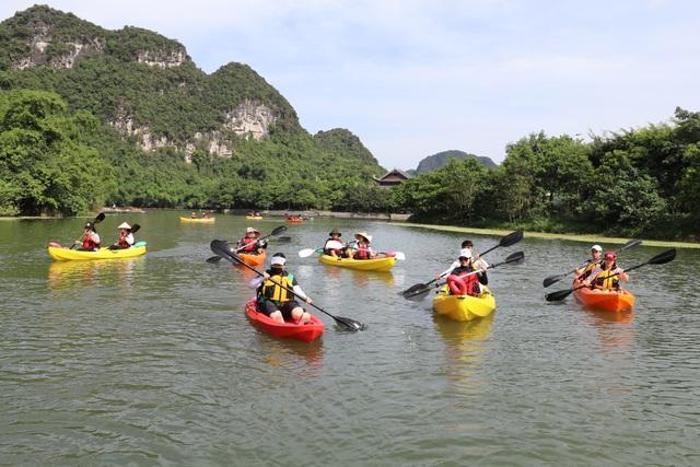 Chèo thuyền kayak khám phá di sản thế giới Tràng An - 1