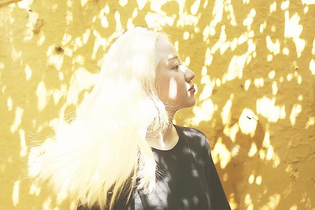 Nữ sinh bạch tạng sở hữu vẻ đẹp như nàng công chúa tuyết - 11