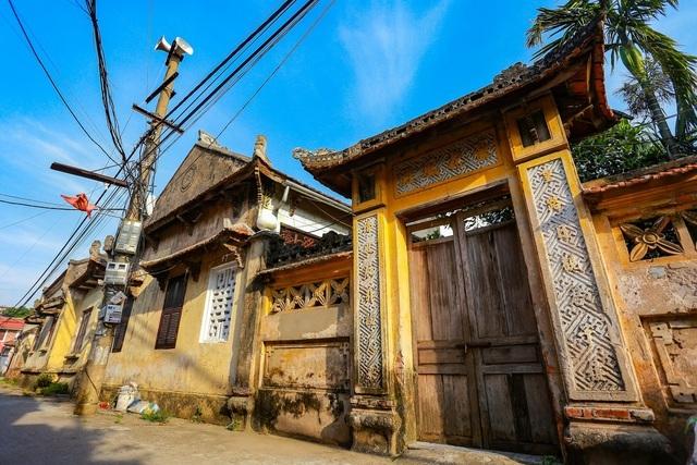 """Nhà 5 gian bằng gỗ lim nguyên khối của thợ may """"đệ nhất"""" Hà Thành xưa - 7"""