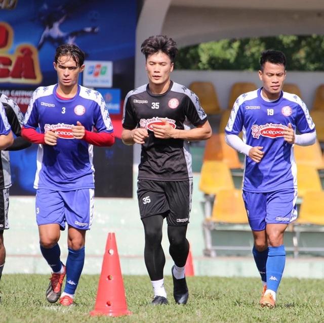 Thủ môn Bùi Tiến Dũng khó tranh suất trở lại đội tuyển Việt Nam - 1