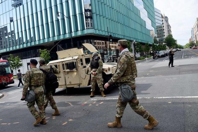 Ông Trump bất ngờ ra lệnh rút Vệ binh Quốc gia khỏi thủ đô - 3