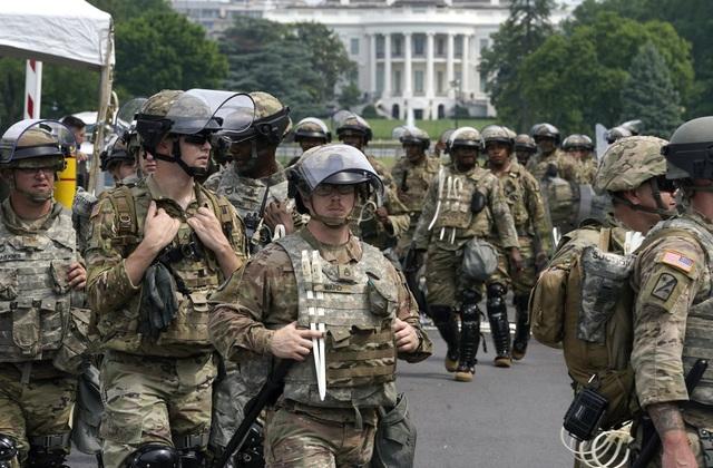 Ông Trump bất ngờ ra lệnh rút Vệ binh Quốc gia khỏi thủ đô - 2