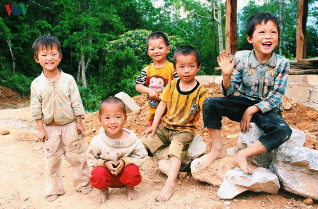 Người dân tộc thân thiện, mến khách nơi cao nguyên đá Hà Giang - 15