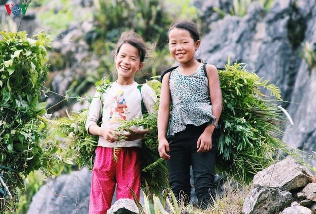 Người dân tộc thân thiện, mến khách nơi cao nguyên đá Hà Giang - 2