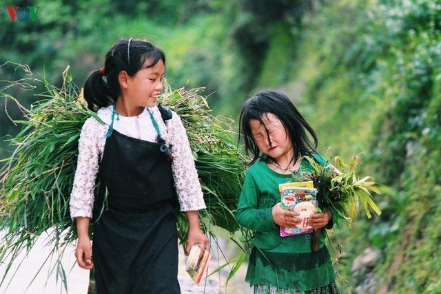 Người dân tộc thân thiện, mến khách nơi cao nguyên đá Hà Giang - 5