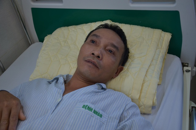 Bác sĩ bệnh viện Bạch Mai kêu gọi giúp đỡ người đàn ông đang nguy kịch - 1