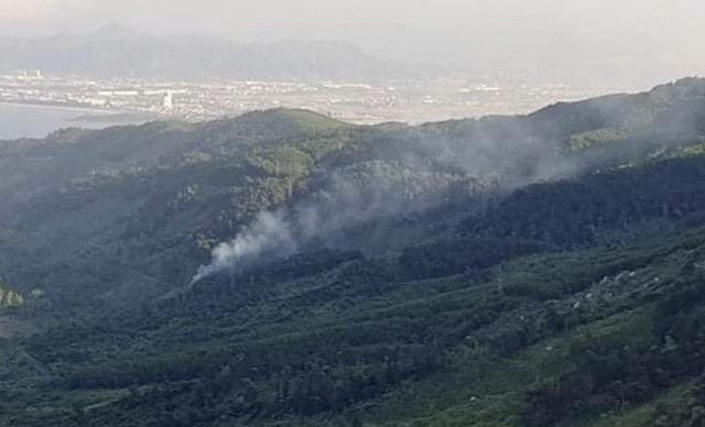 Cháy rừng nơi phạm nhân vượt ngục nguy hiểm đang lẩn trốn - 1