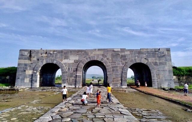 Giảm giá vé tham quan di sản văn hóa thế giới Thành nhà Hồ - 1
