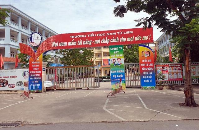 Hà Nội: Học sinh lớp 4 bị bỏ quên trên xe ô tô đưa đón - 2