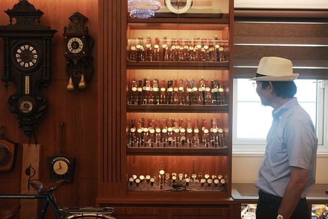 Mục sở thị bộ sưu tập đồng hồ cổ mạ vàng một thời bằng cả gia tài khủng - 1