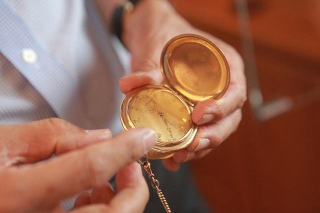 Mục sở thị bộ sưu tập đồng hồ cổ mạ vàng một thời bằng cả gia tài khủng - 13
