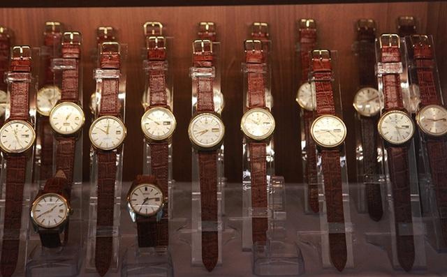 Mục sở thị bộ sưu tập đồng hồ cổ mạ vàng một thời bằng cả gia tài khủng - 2