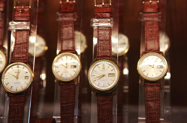 Mục sở thị bộ sưu tập đồng hồ cổ mạ vàng một thời bằng cả gia tài khủng - 3