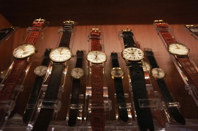 Mục sở thị bộ sưu tập đồng hồ cổ mạ vàng một thời bằng cả gia tài khủng - 6