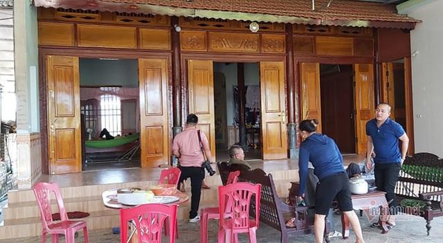 Nhặt được đá đỏ tiền tỷ, hộ dân Nghệ An nhận thêm tiền hỗ trợ Covid-19 - 1
