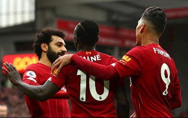 Premier League sắp trở lại: Khi hạnh phúc là tấm chăn hẹp... - 1
