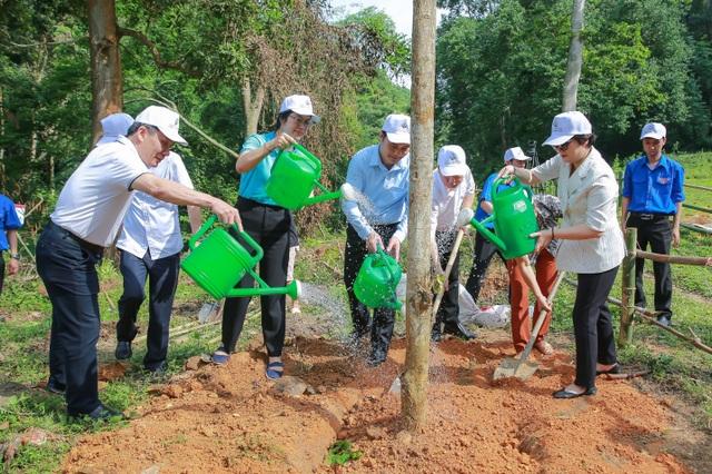 Phát động chương trình Agribank - Vì tương lai xanh, Thêm cây - Thêm sự sống - 3