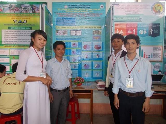 Thầy giáo trẻ truyền đam mê nghiên cứu khoa học cho học sinh vùng cao - 2