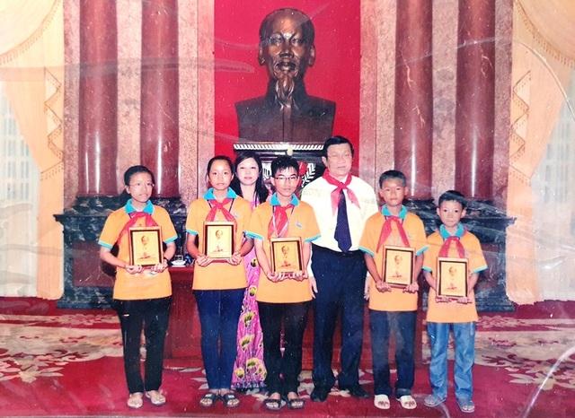 Nghị lực cậu học trò nghèo mồ côi mẹ đạt giải Nhì tỉnh môn Toán - 2