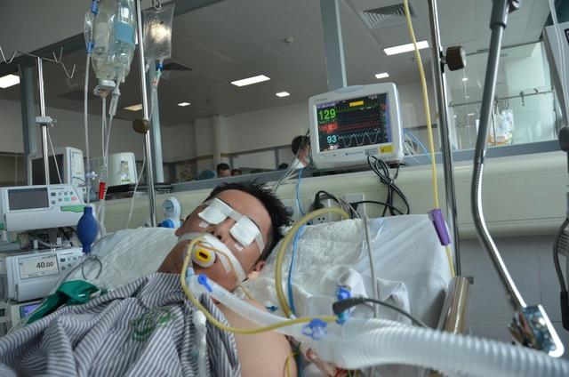 Xót xa hoàn cảnh người bố 2 con tính mạng nguy kịch vì bị xe máy đè dưới ao - 2