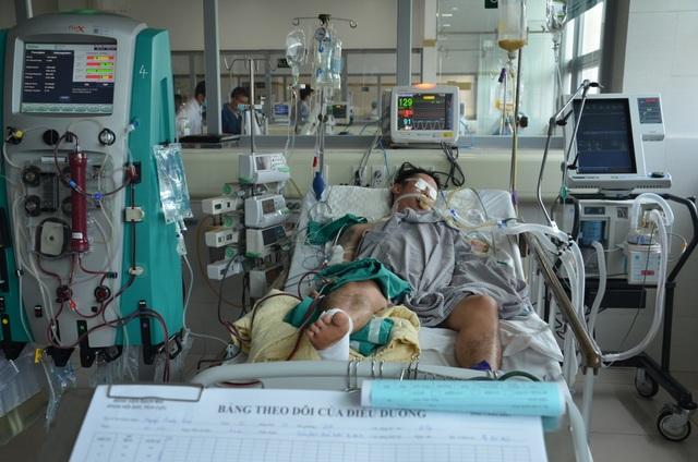 Xót xa hoàn cảnh người bố 2 con tính mạng nguy kịch vì bị xe máy đè dưới ao - 3