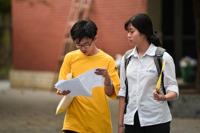 Học phí đại học: Tự chủ không đồng nghĩa muốn thu cao bao nhiêu thì thu - 1