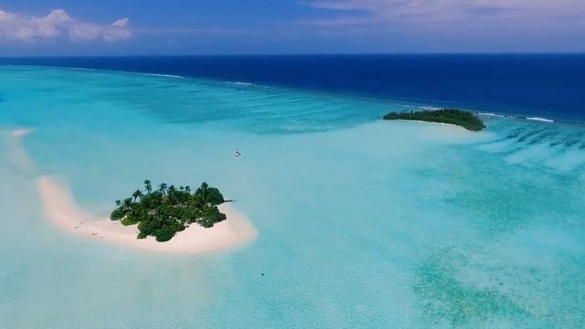 Hòn đảo tuyệt đẹp hình thành từ …. phân cá - 1