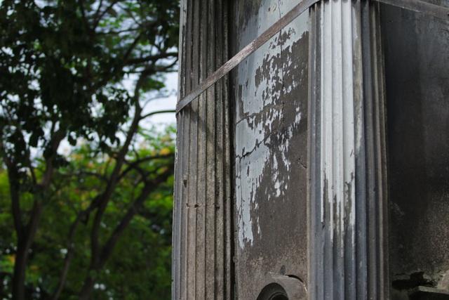 Đài phun nước cổ nhất Hà Nội đeo đai chống sập - 12