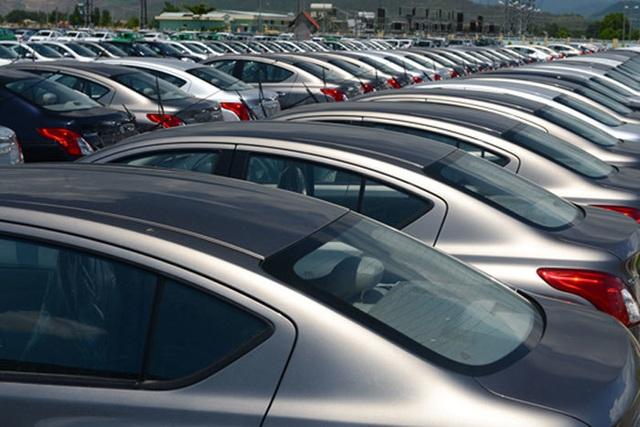 Xe ế đầy bãi, hạ thuế giảm phí... ô tô thời đại hạ giá - 2