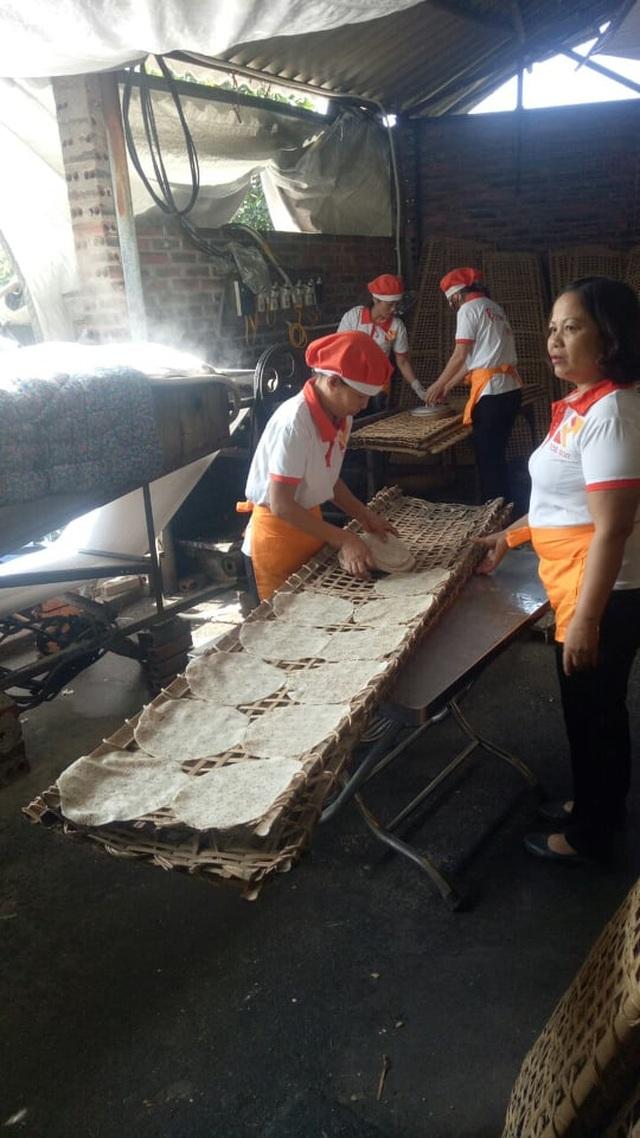 Phụ nữ được hỗ trợ khởi nghiệp: Doanh thu 400-500 triệu đồng/tháng - 1