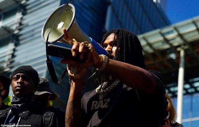 """Dãy phố bị người biểu tình Mỹ chiếm giữ, quây thành """"khu tự quản"""" - 12"""
