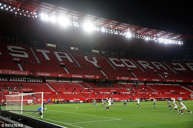 Sevilla thắng trận derby trong ngày La Liga trở lại - 2