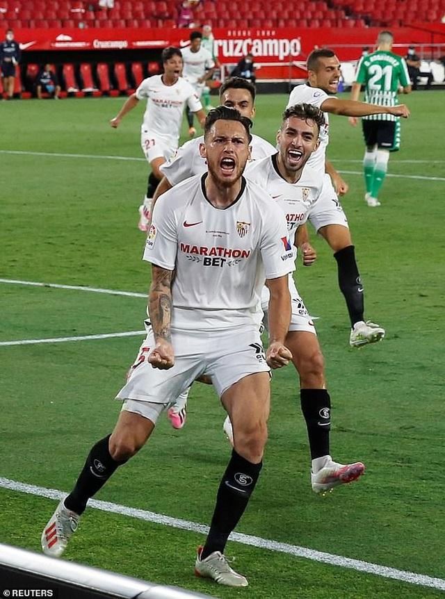 Sevilla thắng trận derby trong ngày La Liga trở lại - 5