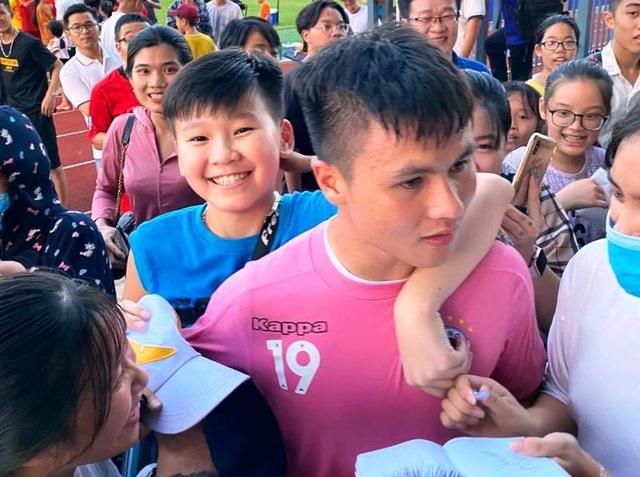 Trận Hồng Lĩnh Hà Tĩnh - Hà Nội FC phải in thêm 2000 vé - 3