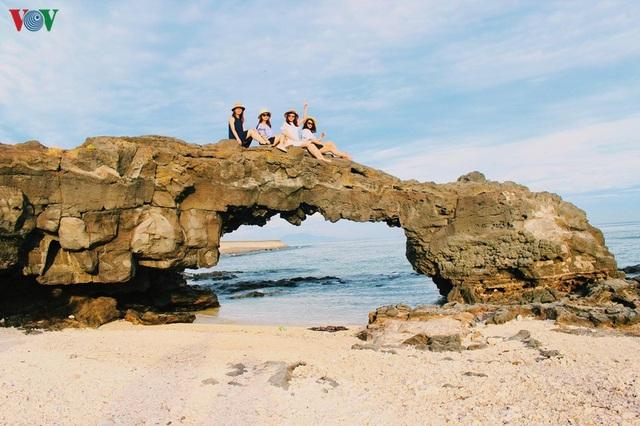 Khám phá đảo Lý Sơn - thiên đường biển xanh của Quảng Ngãi - 7