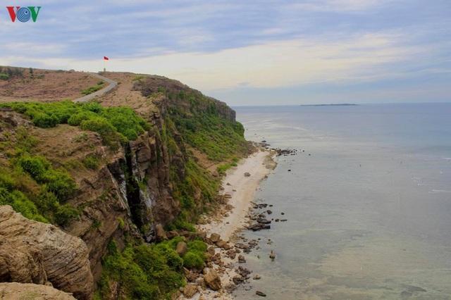 Khám phá đảo Lý Sơn - thiên đường biển xanh của Quảng Ngãi - 8