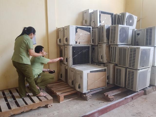 Bắt giữ lô hàng điện lạnh cũ nhập lậu trị giá hơn 500 triệu đồng - 2