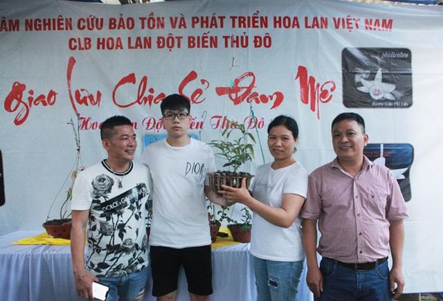 Đại gia Hà Nội chi 5 tỷ đồng mua giỏ lan nhìn như ngọn rau muống - 1