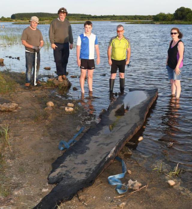 Trốn học đi bơi hồ, bé trai 12 tuổi tìm thấy thuyền cổ 4000 năm - 3